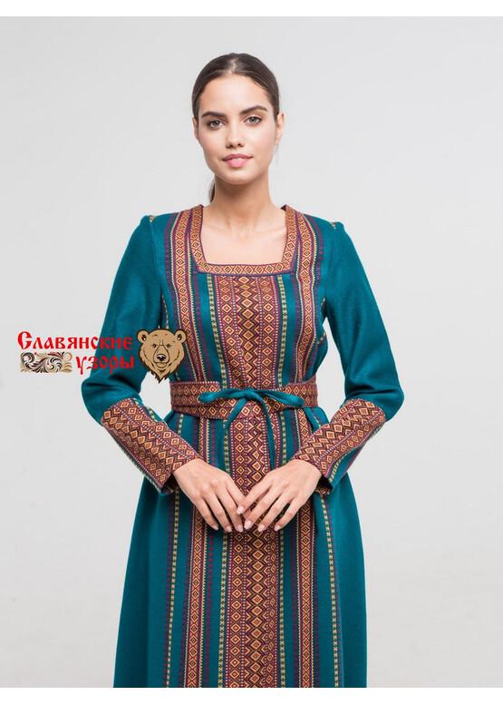 Платье льняное Летящее на голубом (отделка орнаментом)